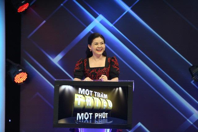 Kim Tử Long rủ vợ và con gái nuôi tham gia gameshow trí tuệ - Ảnh 3.
