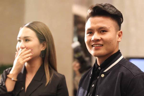 5 điểm ấn tượng trong đám cưới cầu thủ Duy Mạnh và hotgirl Quỳnh Anh - Ảnh 4.