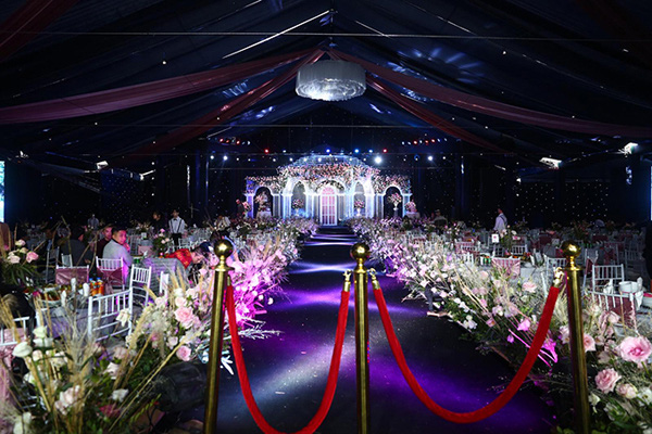 5 điểm ấn tượng trong đám cưới cầu thủ Duy Mạnh và hotgirl Quỳnh Anh - Ảnh 1.