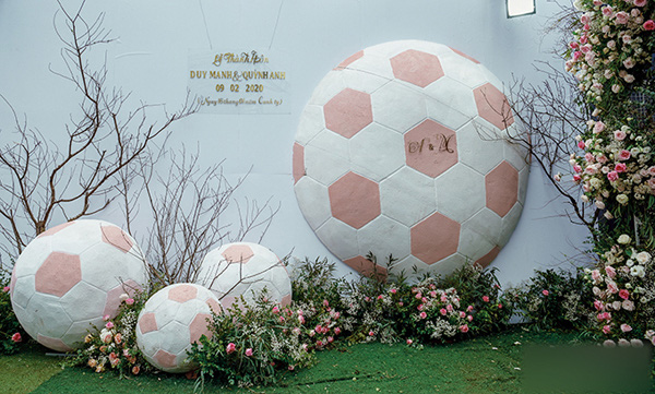 5 điểm ấn tượng trong đám cưới cầu thủ Duy Mạnh và hotgirl Quỳnh Anh - Ảnh 2.