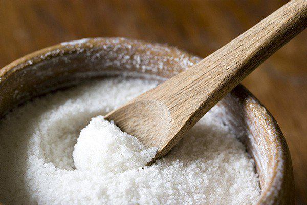 Nếu chỉ dùng muối để nêm nếm món ăn thì thật đáng tiếc, nó có nhiều công dụng rất tuyệt trong cuộc sống - Ảnh 3.