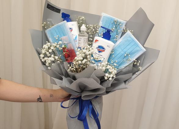 Mãn nhãn với những bó hoa độc, lạ trong ngày Valentine - Ảnh 12.