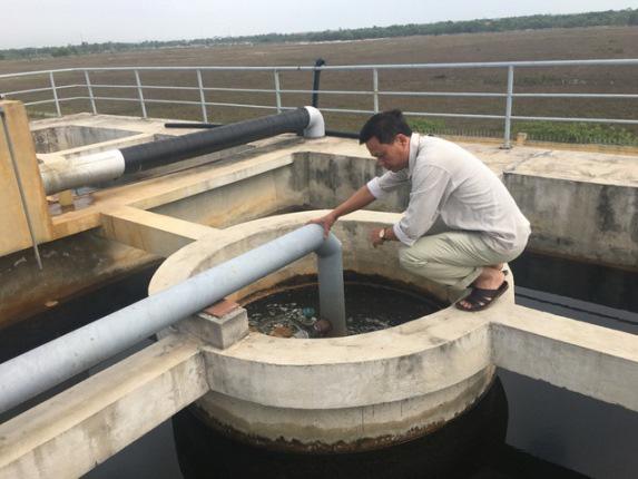 Hoang mang khi nước bẩn phun ra từ đường ống nước sạch - Ảnh 4.