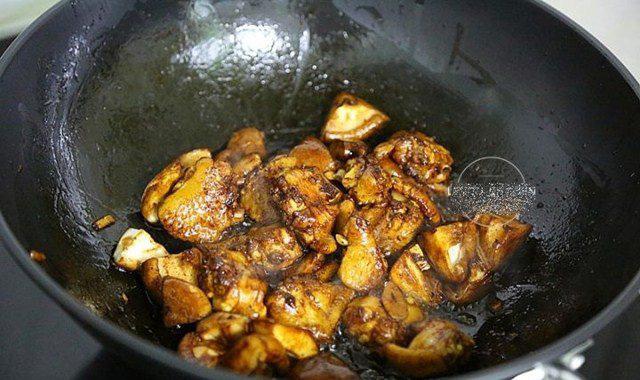 Đổ cả gà lẫn gạo vào nồi cơm điện, sáng ra có món ngon thần thánh, cả nhà tấm tắc - Ảnh 6.