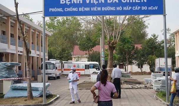 TP.HCM cách ly 1 thai phụ và 7 hành khách bay từ Trung Quốc về Việt Nam - Ảnh 3.