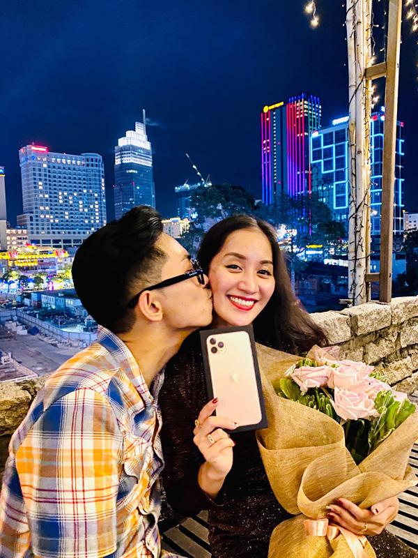 Chồng trẻ Phan Hiển chơi lớn chi hàng trăm triệu cho Khánh Thi dịp Valentine - Ảnh 2.