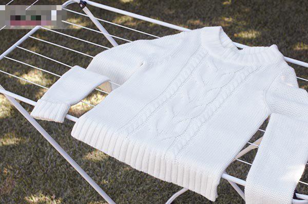 Phơi áo len kiểu này thì chẳng mấy chốc áo dài như váy - Ảnh 4.