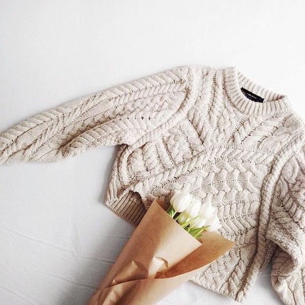 Phơi áo len kiểu này thì chẳng mấy chốc áo dài như váy - Ảnh 3.