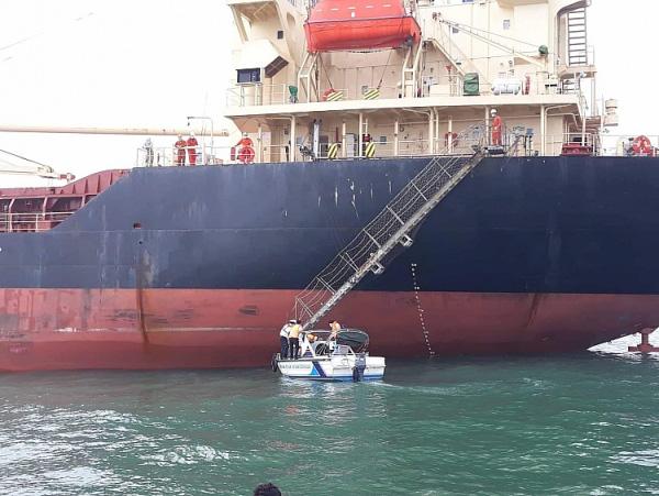 Mười thuyền viên trở về từ Trung Quốc không có biểu hiện nghi nhiễm COVID – 19  - Ảnh 3.