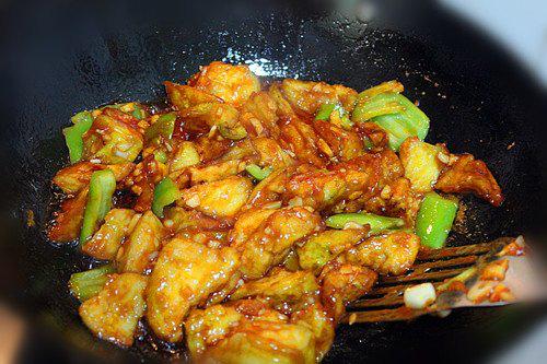 Chán thịt, mang cà tím ra chiên giòn sốt chua ngọt khiến cả nhà thích mê - Ảnh 7.
