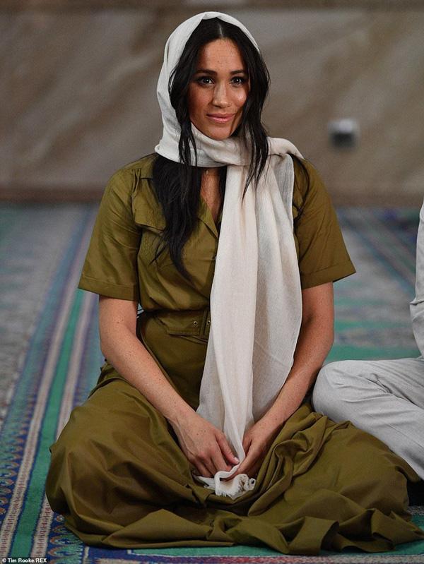 Hình ảnh Ivanka Trump ở Ả Rập Xê-út khiến ai cũng mê mẩn vì thần thái quá đẹp - Ảnh 6.
