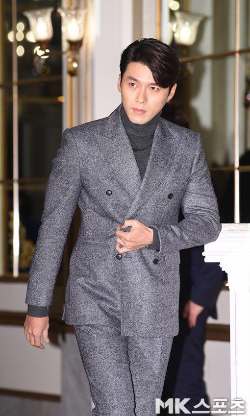 Hyun Bin ngoài đời thích diện vest như quý ông, vuốt tóc lãng tử - Ảnh 6.