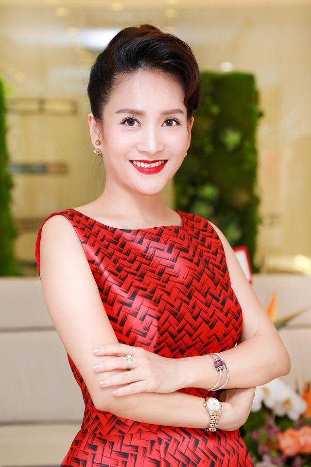 Vợ diễn viên Bình Minh: Nhiều lần giúp chồng vượt qua scandal ngoại tình khiến ai cũng nể phục - Ảnh 6.