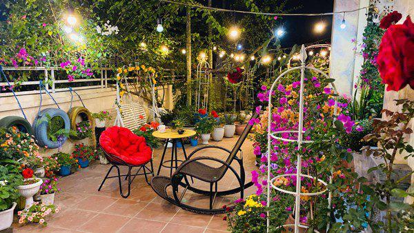 Chồng bỏ tiền mua lốp xe cũ, mẹ 8x trồng hoa, sau 2 năm thành mảnh vườn 200m2 tuyệt đẹp - Ảnh 4.