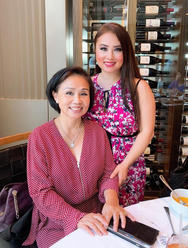 Con gái tặng mẹ vườn rau Việt trên đất Mỹ  - Ảnh 2.