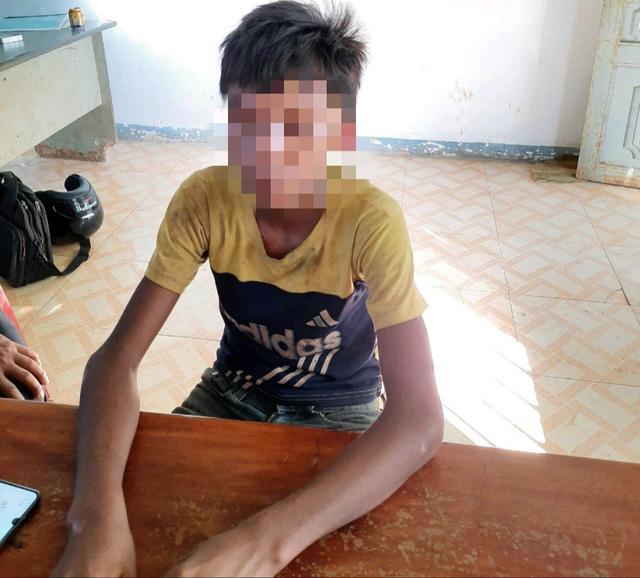Vụ thiếu niên 14 tuổi sát hại 2 trẻ em: Khởi tố bố của nghi phạm gây án - Ảnh 1.