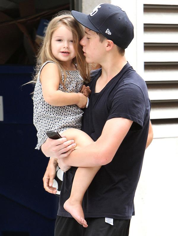 Con gái David Beckham: Sống trong nhung lụa từ thuở bé, lớn lên xinh đẹp hút hồn - Ảnh 5.