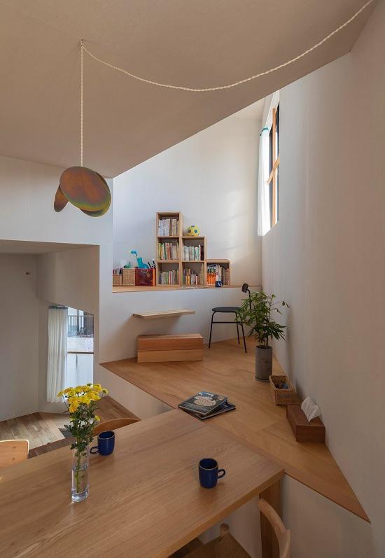 Mê cung trong căn nhà 3 tầng khi mặt sàn được chia thành 16 độ cao khác nhau - Ảnh 3.