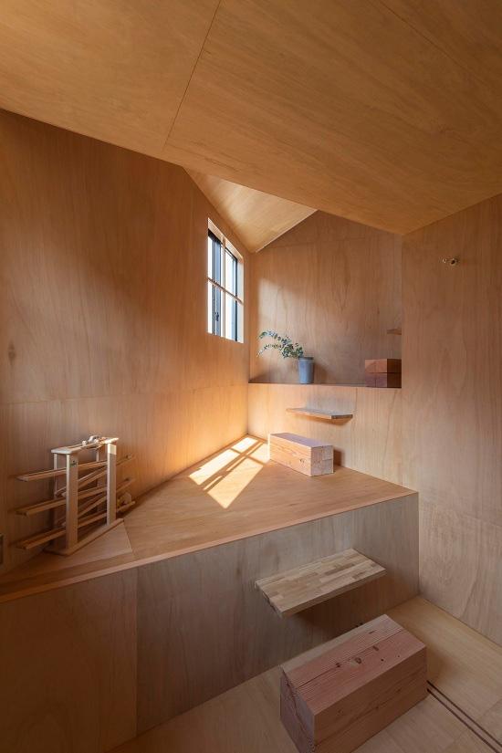 Mê cung trong căn nhà 3 tầng khi mặt sàn được chia thành 16 độ cao khác nhau - Ảnh 6.