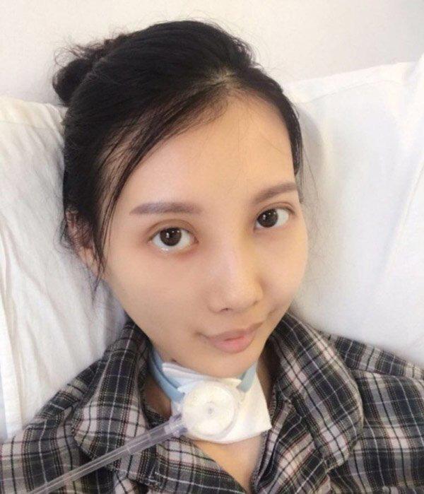 Gương mặt khác lạ không thể nhận ra của nữ ca sĩ xinh đẹp sau 8 năm mắc bệnh - Ảnh 3.