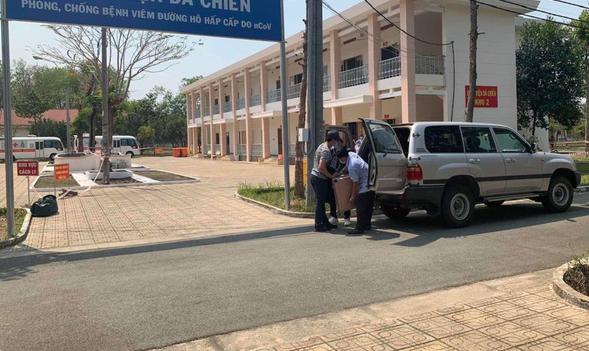 Bệnh viện cách ly của TP.HCM tiếp nhận 20 người Hàn Quốc - Ảnh 2.