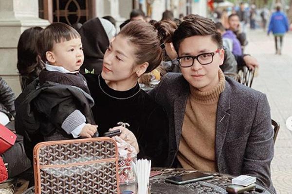 Cậu con trai hơn tuổi vô cùng đáng yêu của Á hậu Dương Tú Anh - Ảnh 1.