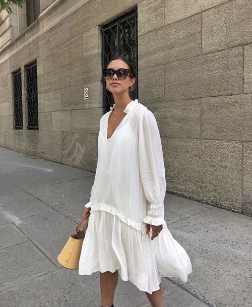 Những kiểu váy trắng mùa hè - Ảnh 2.