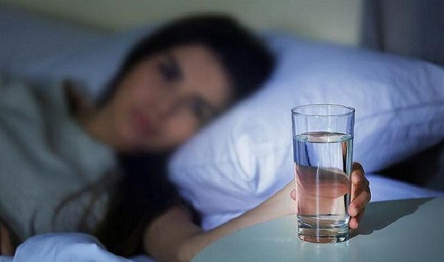 Uống nước vào 4 thời điểm này còn tốt hơn trăm viên thuốc bổ, ngăn ngừa tắc mạch máu  - Ảnh 3.