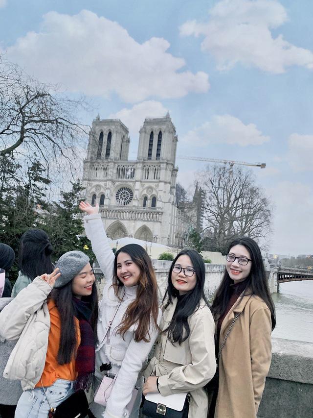 Nhóm bạn thân đại học cùng nhau sang Pháp du học thạc sĩ  - Ảnh 4.