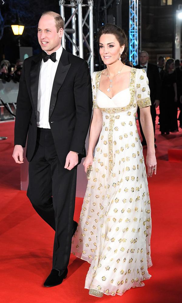 Hình ảnh Công nương Kate liên tục được ca ngợi, trong khi đó, vợ chồng Meghan Markle - Harry bị chê bai - Ảnh 1.