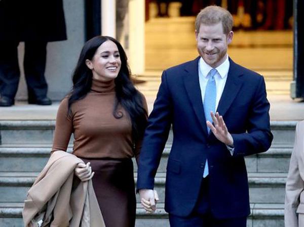 Hình ảnh Công nương Kate liên tục được ca ngợi, trong khi đó, vợ chồng Meghan Markle - Harry bị chê bai - Ảnh 3.