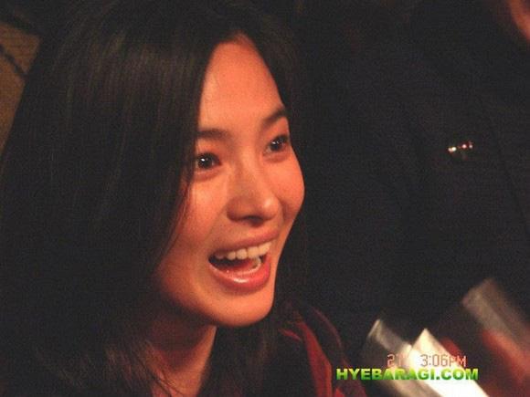 """Nhan sắc thời xưa của Song Hye Kyo bị """"khui"""" lại qua loạt ảnh cách đây hơn 1 thập kỷ  - Ảnh 4."""