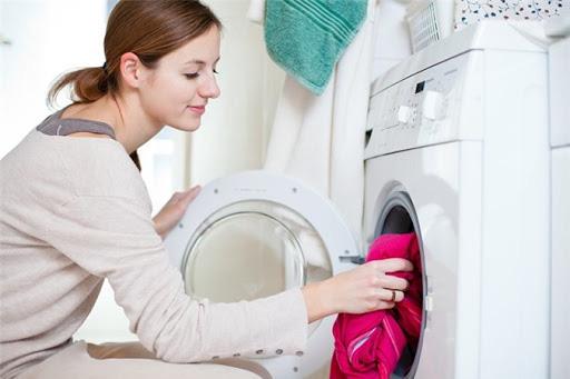 Trời nồm ẩm, quần áo phơi mãi không khô khiến vi khuẩn sinh sôi này nở, mẹo nhỏ này giúp chúng nhanh khô hơn - Ảnh 3.