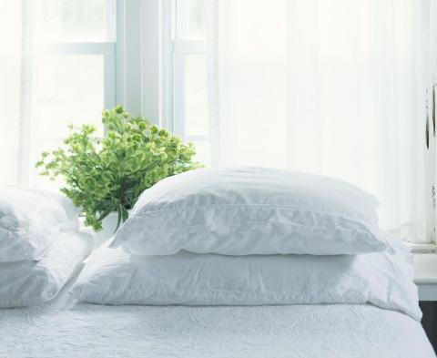 10 thứ nên vứt ra khỏi phòng ngủ ngay lập tức, cái thứ 6 khiến ai cũng ngã ngửa vì bất ngờ - Ảnh 2.