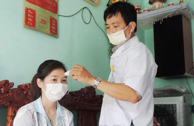Bộ Y tế hướng dẫn vệ sinh khử khuẩn với người phải cách ly tại nhà - Ảnh 3.