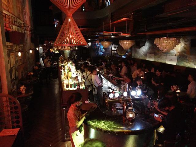 Yêu cầu các quán bar, karaoke tại Hà Nội đóng cửa hết tháng 3 để phòng dịch COVID-19 - Ảnh 2.