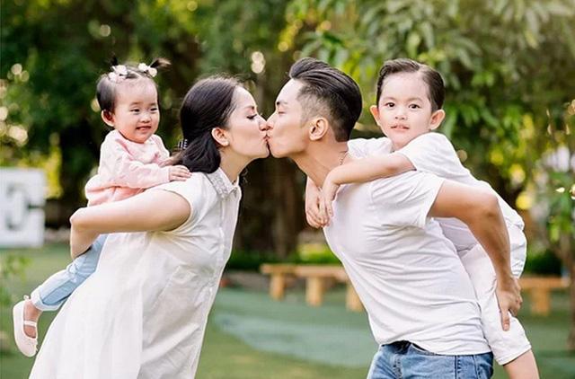 """Khánh Thi nói về việc giữ chồng: """"Một giây cũng phải cẩn thận""""  - Ảnh 1."""