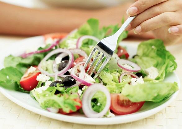 Điểm mặt những thực phẩm bổ dưỡng nhưng tuyệt đối không ăn trước khi ngủ - Ảnh 2.
