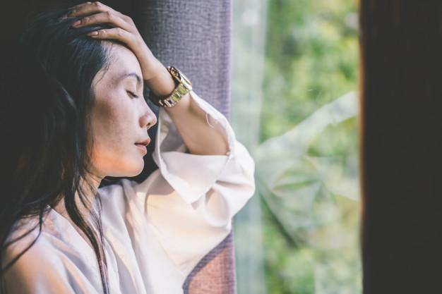 Đẩy lùi nguy cơ trầm cảm do suy giảm nội tiết tố chỉ bằng cách này - Ảnh 1.