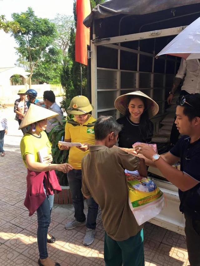 Tréo ngoe cảnh nghệ sĩ Việt làm từ thiện bị... chê bai, công kích  - Ảnh 4.