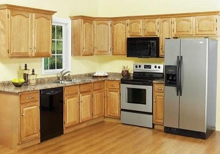 Đặt tủ lạnh ngay sát bếp nấu cho tiện, sai lầm gây họa nhiều người mắc - Ảnh 1.