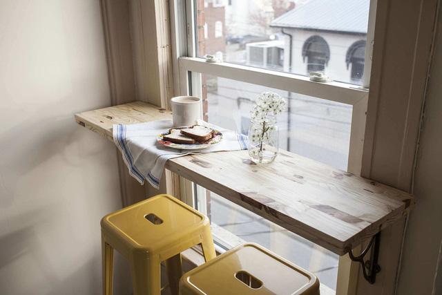 Những mẫu bàn ăn nhỏ làm thay đổi quan niệm chỉ có bàn ăn to mới sang, đẹp của nhiều người - Ảnh 5.