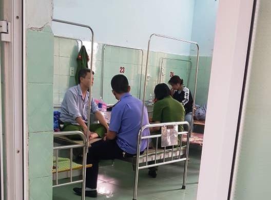 Quảng Bình: Đại úy công an bị hành hung khi xử lý cát tặc - Ảnh 1.