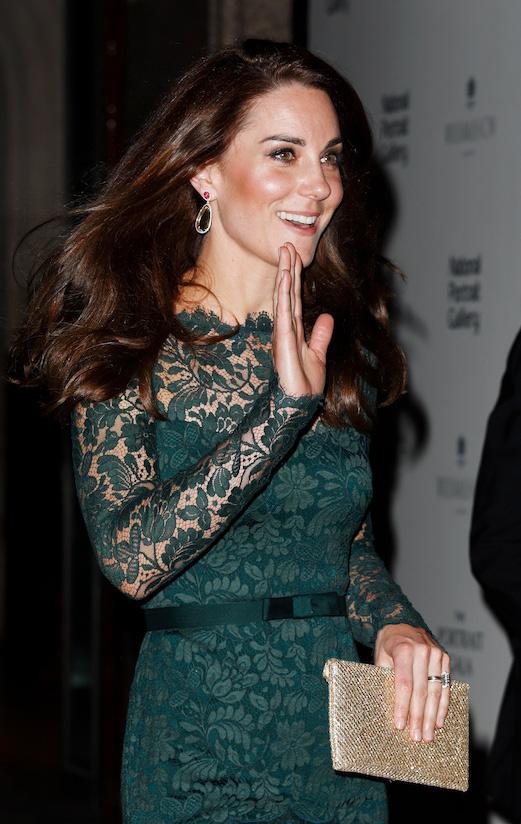 Công nương Anh luôn biết cách mặc đẹp với trang phục màu xanh lá - Ảnh 2.