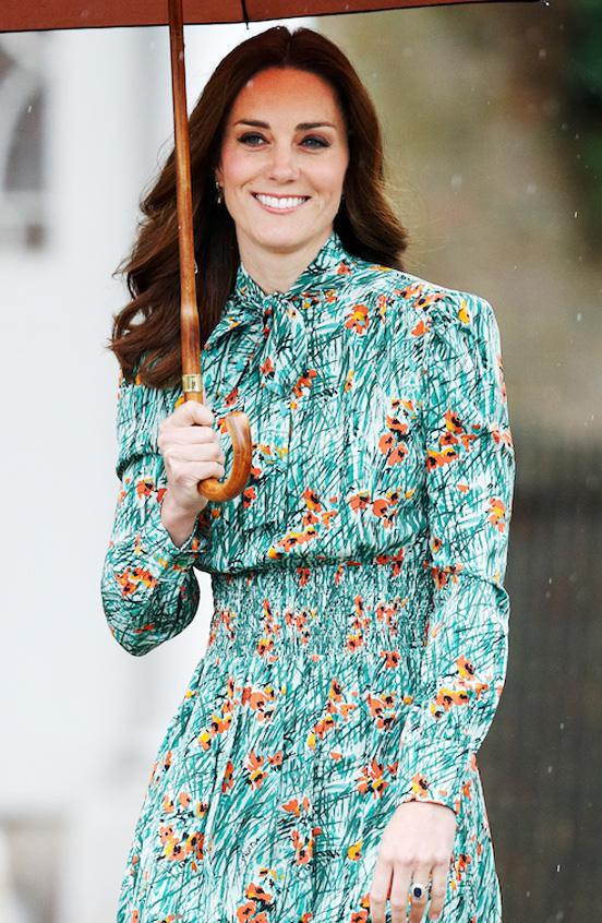 Công nương Anh luôn biết cách mặc đẹp với trang phục màu xanh lá - Ảnh 7.