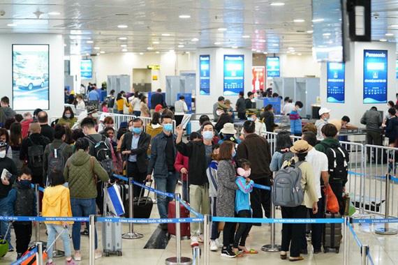 Tất cả các chuyến bay quốc tế không được hạ cánh tại Nội Bài - Ảnh 4.