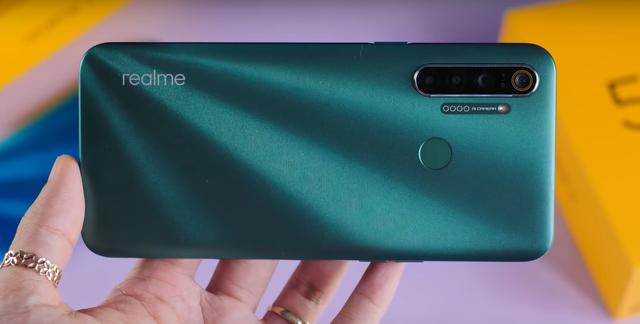 Những smartphone tầm trung và giá rẻ sở hữu cụm 4 camera  - Ảnh 4.