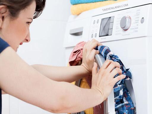Máy giặt rung lắc và kêu to như tiếng công nông chạy vì một sai lầm mà 90% bà nội trợ hay mắc - Ảnh 2.