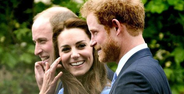 Công nương Kate bí mật hẹn em chồng ra nói chuyện riêng và không hề đả động đến Meghan Markle - Ảnh 2.
