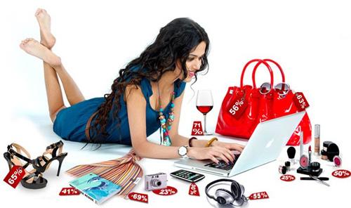 Đã bực vì vợ nghiện mua hàng online trong những ngày phòng dịch tại nhà, người chồng càng không thể bình tĩnh khi bóc món đồ vợ đặt mua ra xem - Ảnh 1.